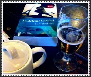 Madeleine Chapsal, Le foulard bleu