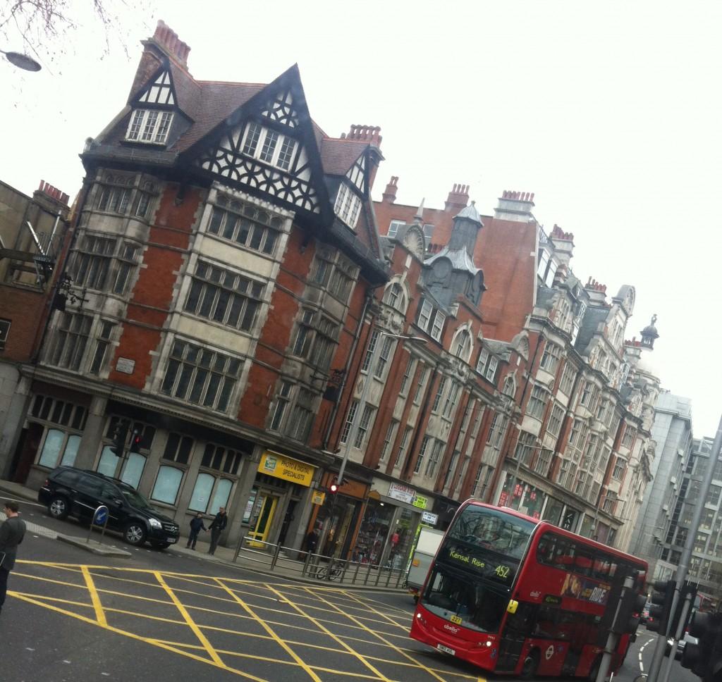 Londres, vue depuis le bus à impériale